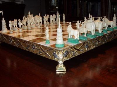 http://www.schaakkunst.nl/images/images_aad/ivoren_schaakspel2.jpg